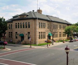 Mankato, MN post office makes long-delayed move from historic home